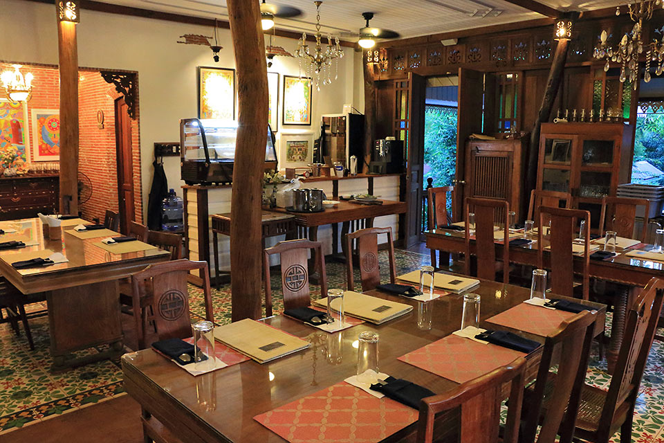 dining room at the second floor of Sulyap Cafe