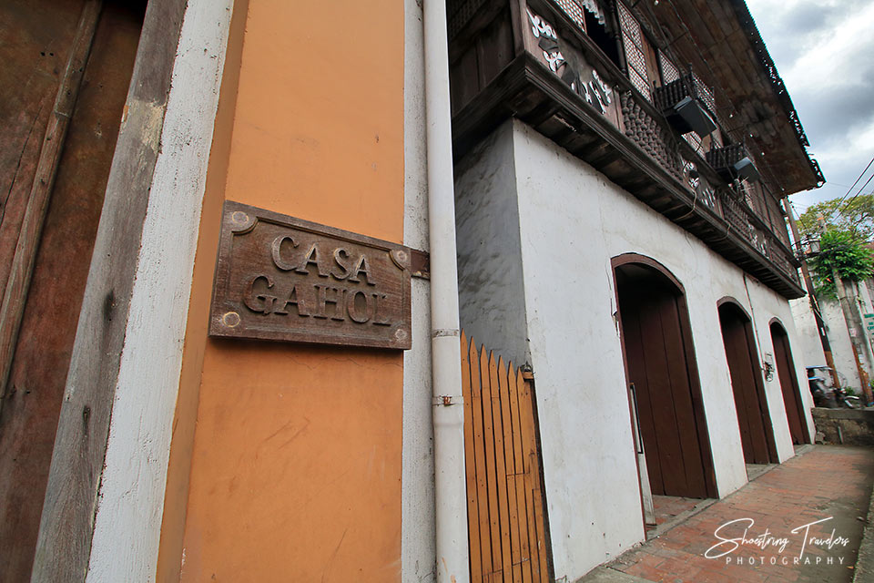 Casa Gahol signage and the Villa Tortuga